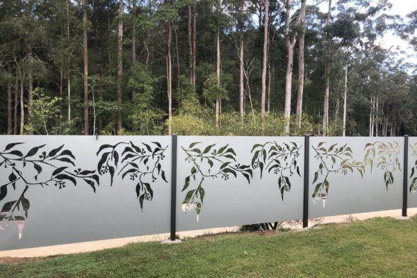 Gumleaf Privacy Screen